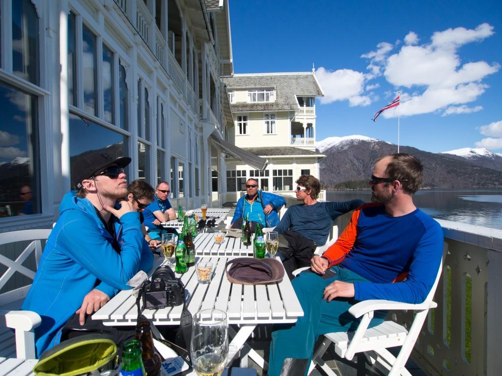 Afterski at Kvikne's Hotel in Balestrand. Photo: Halvor Dannevig